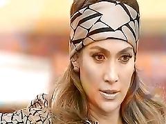 Дженифер Лопез приняла участие в интригующем ток-шоу